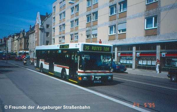 Wagen 2223 auf Linie 35 an der Augsburger Straße